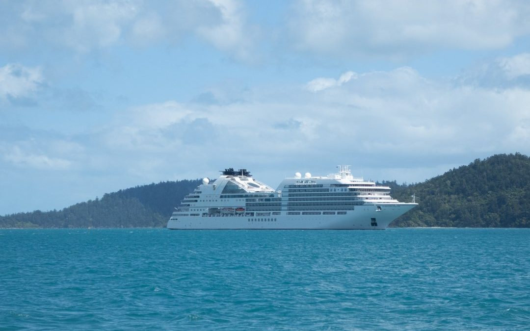 Seabourn Encore Float Out : Video