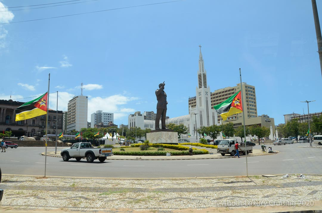 Independence Square, gigantic statue of Samora Machel.
